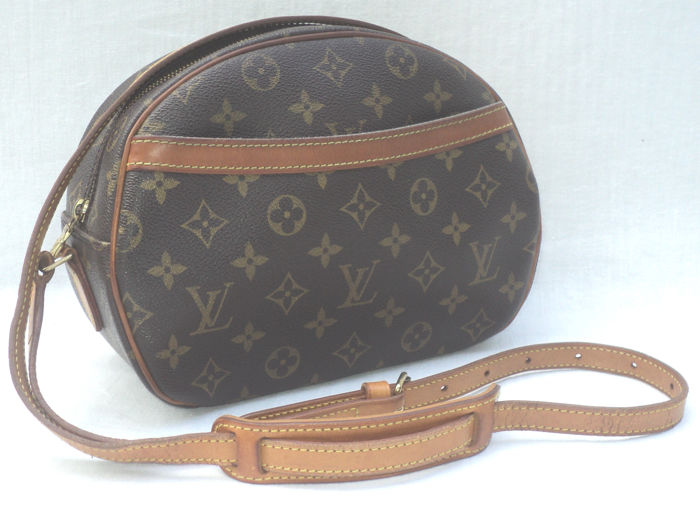 9cb4725b06a8 Louis Vuitton - Monogram Blois Shoulder Bag - Catawiki