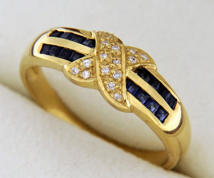Yellow gold ring in 18 kt with Sapphires and Diamonds of 0.08 ct - Ring size 52.