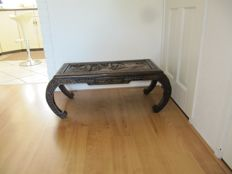 Oriental coffee table, top with carved decorations – China – 2nd half 20th century