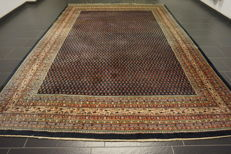 Magnificent hand-knotted Persian carpet, Sarouk Mir, 293 x 365cm, made in Iran, great highland wool, very good condition