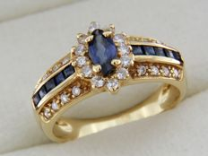 18 kt yellow GOLD ring with Sapphires and Diamonds
