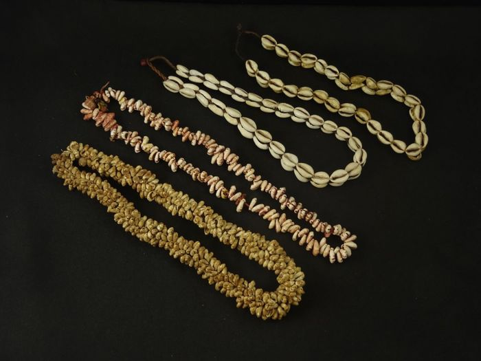 4 strings of shell Beads