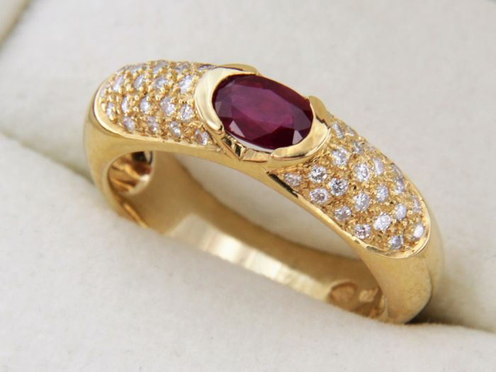 18 kt yellow gold ring with Ruby and Diamonds - Ring size: 54 – easily resizable