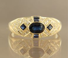 14 kt yellow gold ring set with sapphire and 44 brilliant cut diamonds,in total approx. 0.30 carat, ring size: 18.5 (58)