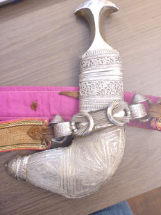 Khanjar handle made of horn coated in silver - Yemen - around 1920-1950