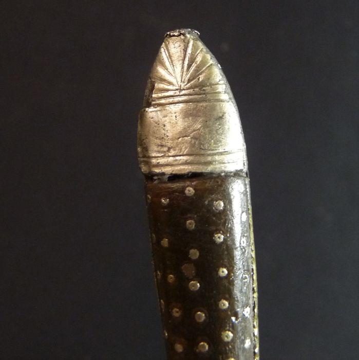Fork, handle decorated with tiny nails - L 178 mm