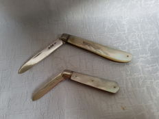 Pair of silver fruit knives with mother of pearl handles, Charles William Fletcher, Sheffield, 1903 and Sheffield, 1929