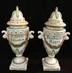 Pair of ceramic vases with lid from an old pharmacy, Vecchia Bassano, hand-decorated and painted