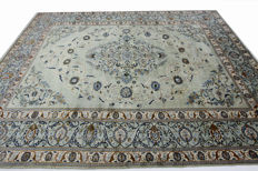 Wonderfully beautiful Persian carpet Kashan, 3.90 x 2.95 m, pistachio green, genuine hand-knotted oriental carpet, very beautiful pattern / quality
