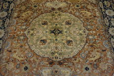 Magnificent hand-knotted silk carpet, Kashmir silk carpet, Qom, with animal patterns, silk/wool, 210 x 345 cm, made in Kashmir