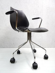 Vico Magistretti voor Kartell - Maui Office Chair