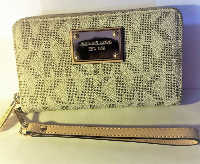 Michael Kors - Clutch/Wallet ** NO Reserve Price **