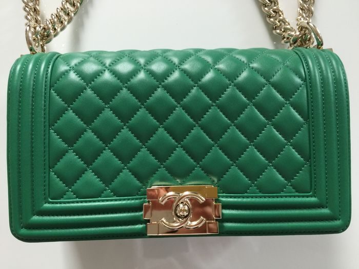 938f23508759 Chanel - Quilted Medium Boy Bag - Collection 2016 - Catawiki