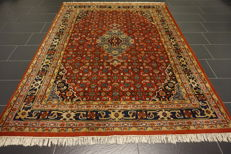 Luxurious hand-knotted oriental carpet, Indo Bidjar Herati with medallion, 200 x 250 cm, made in India, very good condition.