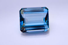 Topacio azul Swiss - 30,74 ct