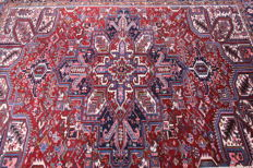 Semi-antique Heriz Persian carpet from 1940, red, 3.18 x 2.48, genuine hand-knotted oriental carpet, wonderfully beautiful, top condition