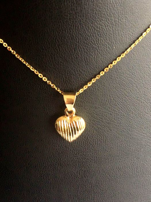 14 kt gold Necklace with Heart Pendant