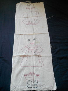 Léa the doll 1932 hand embroidered