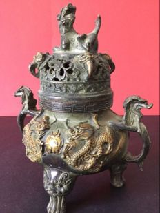 Bronze incense burner with gold and green patina – Nepal – early 21st century.