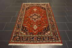 Elegant hand-knotted oriental carpet, Indo Bidjar Herati with medallion, 123 x 180cm, made in India, very good condition