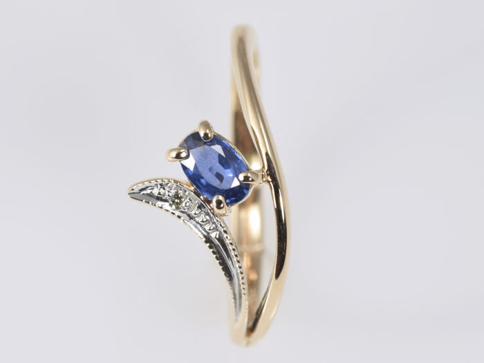 14 kt gold ring with sapphire and no reserve