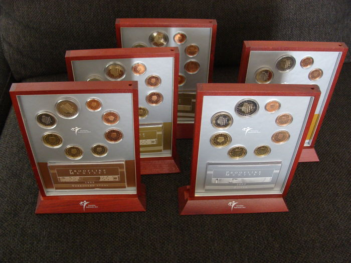 The Netherlands – year packs/ collections (Proof-like) 1999/2003 complete + standard.
