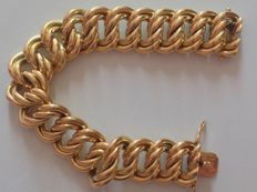 Large bracelet for women American links 18 kt solid yellow gold 750  Weight: 21 g  The piece is exceptional and rare.