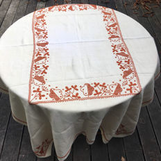Rectangular tablecloth, embroidered, early 20th century