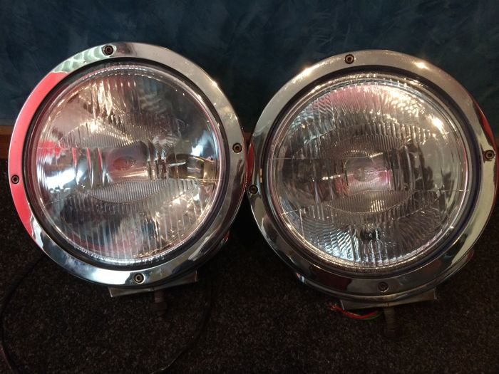 Set of two large chrome plated spotlights - diameter 25 - Made in Germany