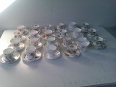 Large lot of English porcelain - 44 parts english cups and saucers