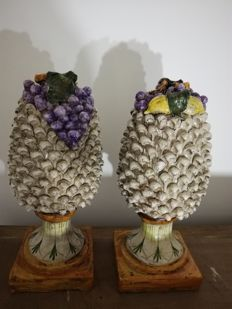 A pair of pine cones in Caltagirone ceramic - Sicily, Italy - ca. 1980