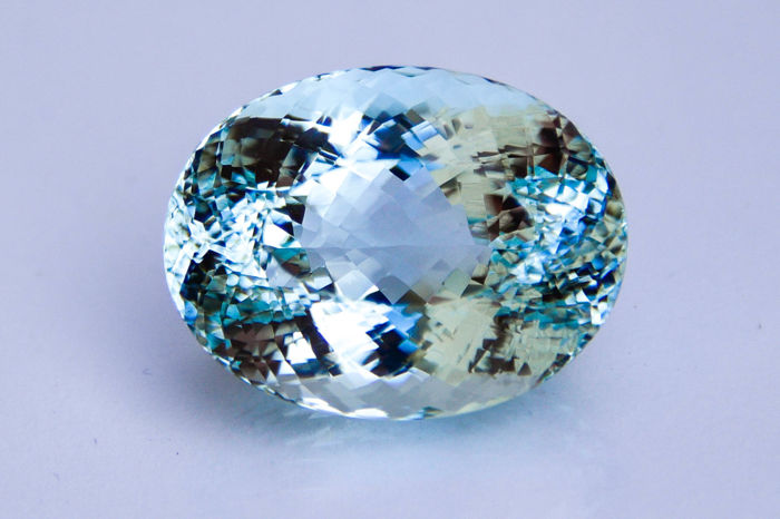 Aquamarine - 34.10 ct