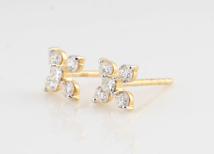"14kt diamond earrings total approx. 0.50ct / 1.50gr / G-H  VS1-VS2 / measurements : 16 x 6 x 6 mm / "" New'"