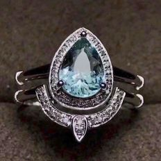 18kt white gold ring with  natural Paraiba Tourmalin 1.2ct. and diamond 0.5ct.