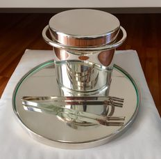 Lino Sabattini - Silver plate set with tray, clasps and ice bucket.