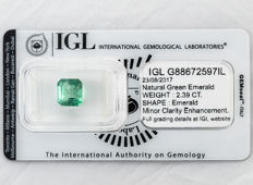 Emerald - 2.39 ct  Natural Green Emerald  ===   NO RESERVE  ===
