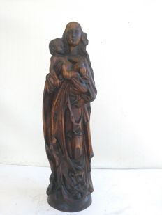 Antique Virgin and Child carved in pinewood, Italy, 20th century