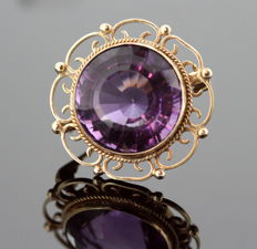 Victorian 15K yellow gold brooch with Amethyst, circa. 1880
