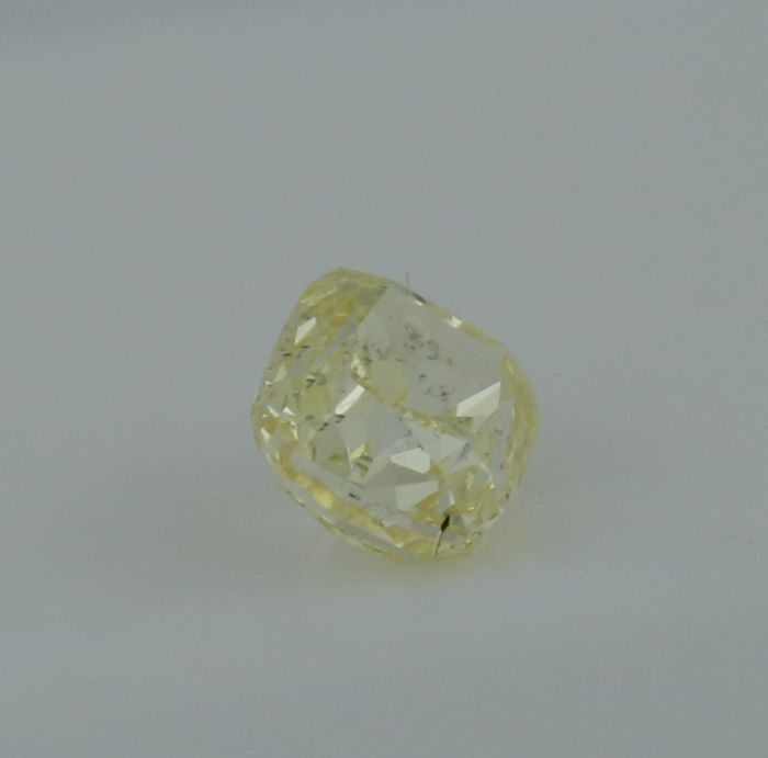 0.38 ct. Cushion Modified Brilliant Natural Diamond -  Fancy light yellow - SI 2