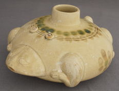 Large Celadon water dripper in the shape of a mythological creature - China - late 20th century
