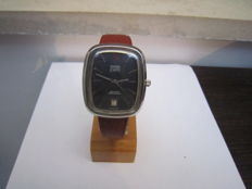 Omega Electronic f300 De Ville Chronometer with Curved Case