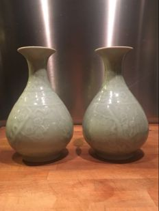 Pair of Chinese celadon porcelain vases, marked - China - late 20th century