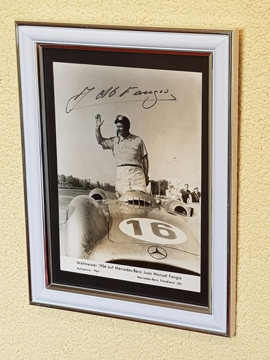 JM Fangio (RIP) - 5-times worldchampion Formula 1 - hand signed framed old card + COA