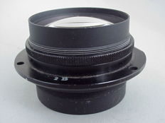 A beautiful coated lens with a focal length of 15 cm for large format camera, ULF-Large Format.