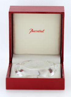 Baccarat - Vintage crystal glass bangle, Circa.1960's France - Dimensions 8 x 6.6 x 2.1 cm