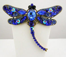 Signed KENNETH JAY LANE - Blue Austrian Crystal Dragonfly Brooch / Pendant  Necklace