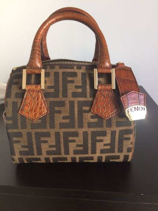 8e96e1686ceb Fendi -- Carry-all bag --  No Minimum Price  - Catawiki