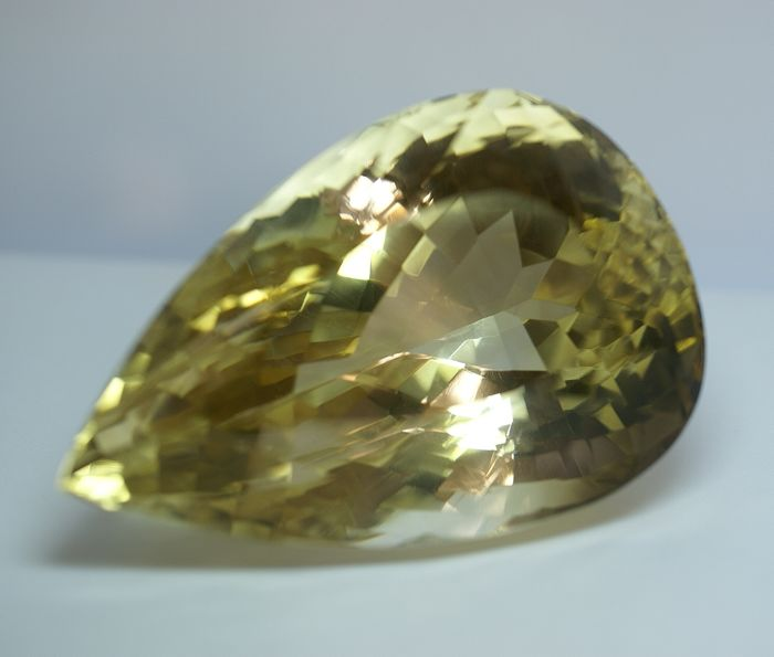 Citrine  brownish  -yellow  900.06 ct,