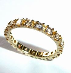 Memory ring Eternity 14kt / 585 yellow gold all around with 19 diamonds in total approx. 1.2ct Ring size: 56 / 17.8 mm