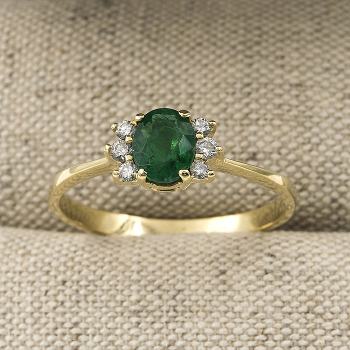 750/18 kt yellow gold - Ring - 1 ct emerald - 0.20 ct diamond - Inner diameter: 19.40 mm